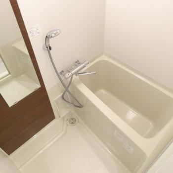バスルームもぴっかぴか※写真は3階の同間取り別部屋のものです