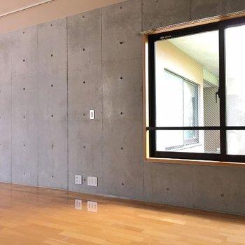 でも窓がたくさんあるので窮屈感はありません。※写真は前回募集時のものです