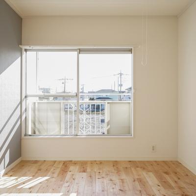 2つの寝室もしっかり窓付き※写真はイメージです