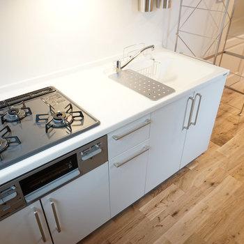 キッチンは3口の大きなキッチン!