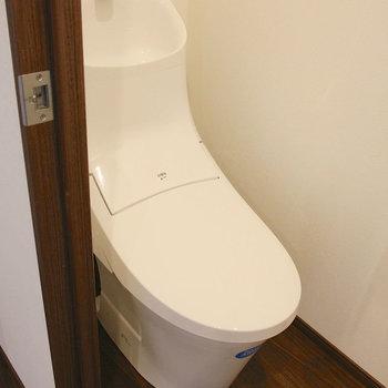 トイレもカッコいい。※写真は10階の同間取り別部屋のものです