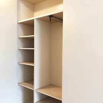 収納は様々なスペースでオールマイティーに使えます。※写真は1階の同間取り別部屋のものです