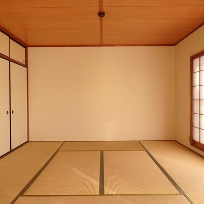 既存の写真。8畳の和室が立派!