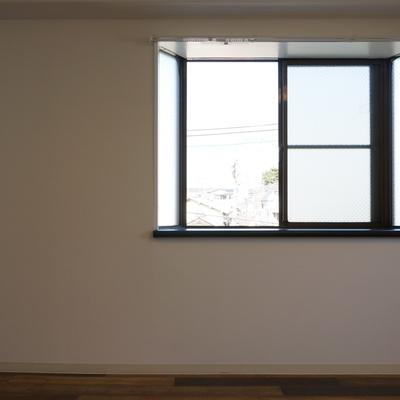 出窓がついてる最上階角部屋