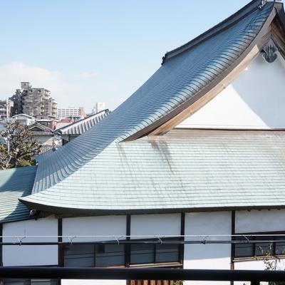 眺望は目の前のお寺が見えます