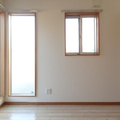 窓が多くて明るい!全部長方形なのがかわいいなぁ