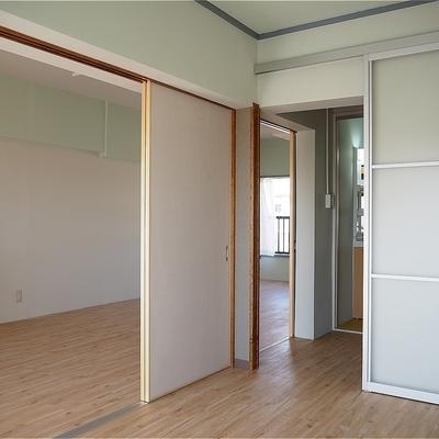建具のクロスが選べます~※写真は5階の同間取り別部屋のものです