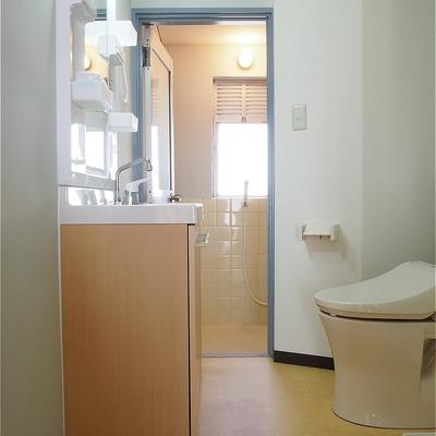 脱衣スペースもありますよ!※写真は5階の同間取り別部屋のものです