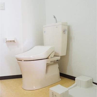 トイレはウォシュレットです!※写真は5階の同間取り別部屋のものです