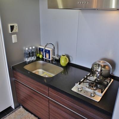 あれ、キッチンは意外にもコンパクト。※モデルルームになります、家具等はサンプルです