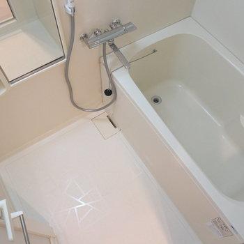 一見シンプルなお風呂場ですが、、、※写真は8階同間取り別部屋のものです