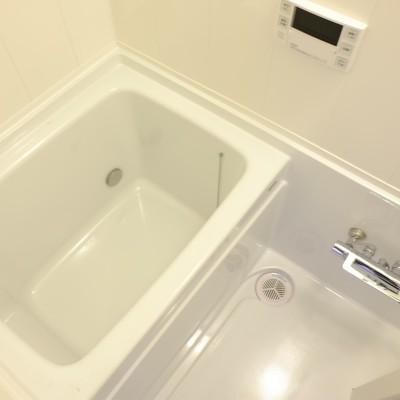 お風呂はちょっとコンパクト