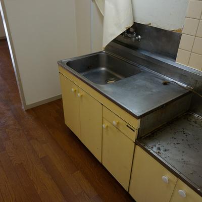 キッチンも一新します!※写真は現状です