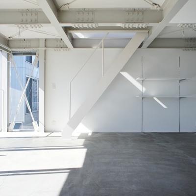 2階、階段も空間に同化。※写真は前回募集時のものです