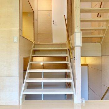 上の階に上がってみましょう。