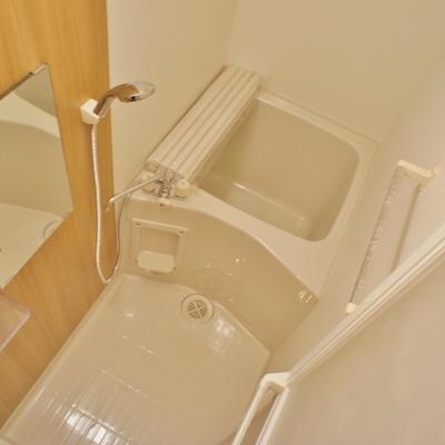 お風呂はとってもコンパクト※写真は前回募集時のものです