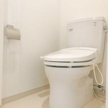 トイレは温水洗浄機能が付いていました