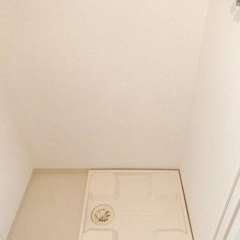 洗濯機置場は廊下にあります