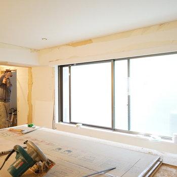 大きな窓で全体が明るい♪※写真は工事中です