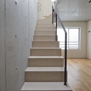 階段もかっこいい....