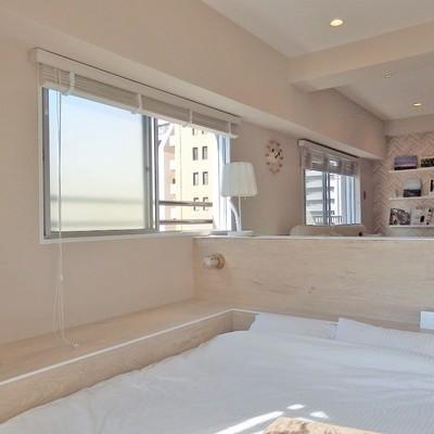 東側の窓。朝日で気持ちよく目覚められそう!※写真は前回募集時のものです