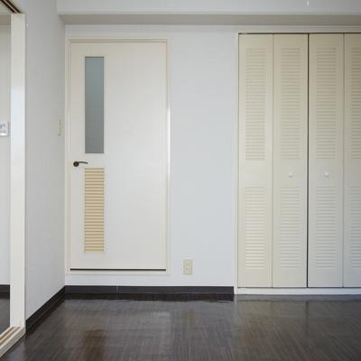 渋いクローゼット扉※写真は前回掲載時のものです。