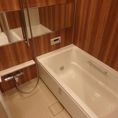お風呂も豪華な1417ユニットバス!
