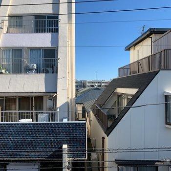 眺望は周辺の住宅街が見えます