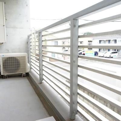 今回募集の1号室にはガーデンが付いていますよ〜※1階の反転間取り別部屋の写真