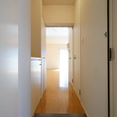 玄関もゆとりの空間◎※写真は前回募集時のものです