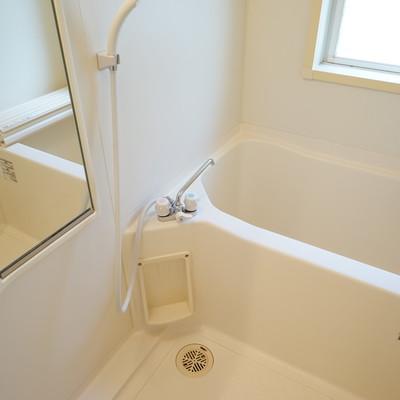 お風呂には窓も◎※写真は前回募集時のものです