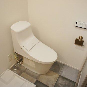 トイレもスタイリッシュなデザイン