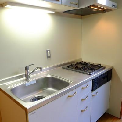 キッチンもステンレス。※写真は前回募集時のものです。