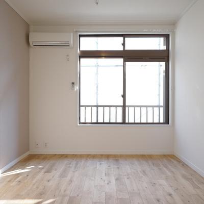 寝室もすっきり使いやすい空間に!2面採光で◎※写真はイメージ