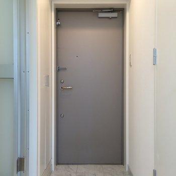 玄関はゆとりあります