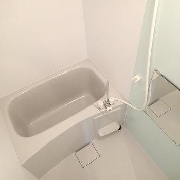 浴室換気乾燥機能ついています。※写真は4階の同じ間取りの別部屋です。