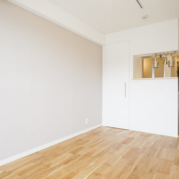 落ち着いた雰囲気のお部屋◎※写真は前回募集時のものです