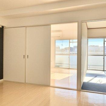 【DK】ちらっと覗く畳が気になる。※写真は4階の同間取り別部屋のものです