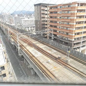 JR鹿児島本線が目の前!電車好きにもたまらないロケーション。