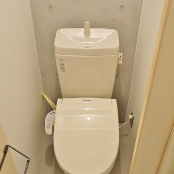 トイレは。少し狭めです。