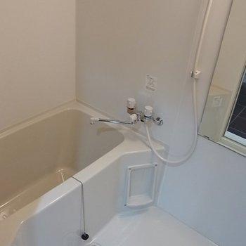 お風呂はふつう※写真は別部屋です