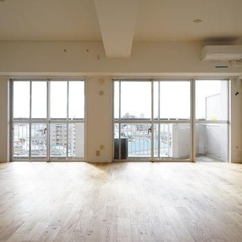 [afterイメージ]無垢床のリビングは居心地最高。