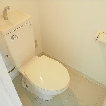 トイレはこじんまり