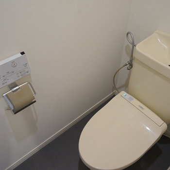 ウォシュレット付きのトイレ◎ ※前回募集時の写真