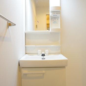 洗面台も独立しています! ※前回募集時の写真