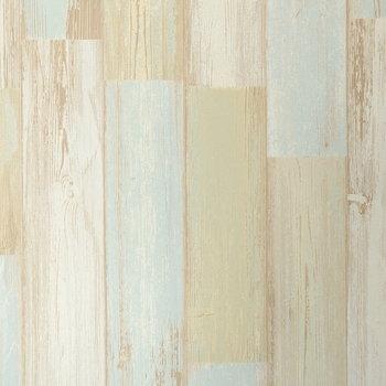 リビングの壁紙は優しいカラーの木目調
