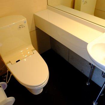 トイレは手洗い場付き!※写真は前回募集時のものです