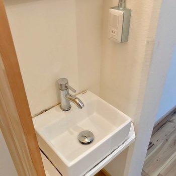 手洗いや歯磨きは大丈夫そう。洗顔はバシャバシャすると水がこぼれるかも。