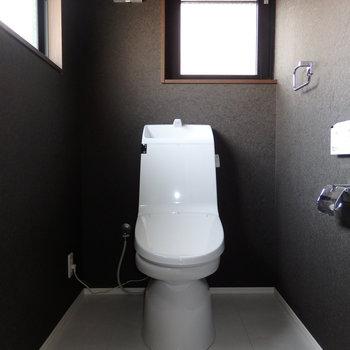 トイレにも窓があります