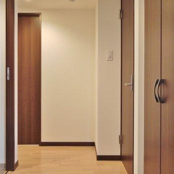 広々とした玄関には・・・。※写真は前回撮影時のもの